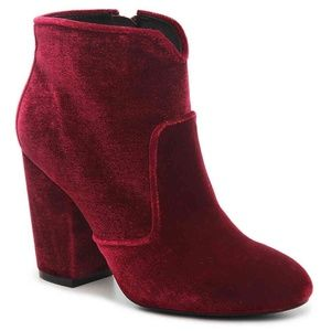 NEW booties size 9 Burgundy Velvet Ankle Boots